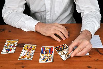séance de tirage de cartes de voyance